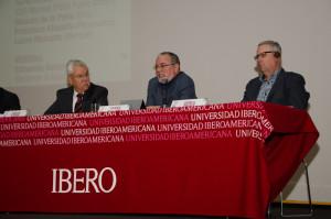 Edmundo Berumen (Berumen y Asociados), Ricardo de la Peña (ISA) y Darrell Bricker (IPSOS)