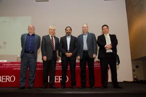 Ricardo de la Peña (ISA), Edmundo Berumen (Berumen y Asociados), Francisco Abundis (Parametría), Darrell Bricker (IPSOS) y Lauro Mercado (Mercaei)